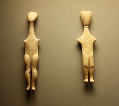 Marble figures. Cycladic art, ancient Greece The first room of the Museum of Cycladic Art is. All findings are from the Neolithic of the Bronze Age, the dominant are these marble figures Islands Paros, Naxos, predominantly female. With simple, clean lines created the forms of female divinity of the culture of the Bronze Age.