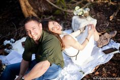 Couple engagement outdoor photo shoot. Lovely blanket picnic theme Engagement Couple, Engagement Shoots, Prenup Theme, Picnic Theme, Outdoor Photos, Couple Shoot, Nature Photos, Couple Photography, Photo Shoot