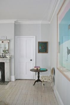 Farrow and Ball 'strong white' looks great with white woodwork - notre salon, Filip& Lucas chambres Warm Bedroom Colors, Room Paint Colors, Living Room Colors, Living Room Paint, My Living Room, Living Spaces, Blackened Farrow And Ball, Farrow And Ball Living Room, Home Decor Kitchen
