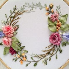 Wonderful Ribbon Embroidery Flowers by Hand Ideas. Enchanting Ribbon Embroidery Flowers by Hand Ideas. Ribbon Embroidery Tutorial, Silk Ribbon Embroidery, Hand Embroidery Patterns, Embroidery Kits, Embroidery Stitches, Embroidery Designs, Embroidery Saree, Embroidery Techniques, Creative Embroidery