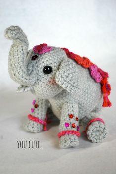 elefante de crochet Jute Crafts, Crochet Crafts, Bead Crafts, Free Crochet, Crochet Bear Patterns, Amigurumi Patterns, Amigurumi Doll, Crochet Stitches, Amigurumi For Beginners