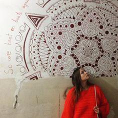 Dziwny ten wandalizm. #armenia #yerevan #wall #mural #orangesweater #orangeisthewblack