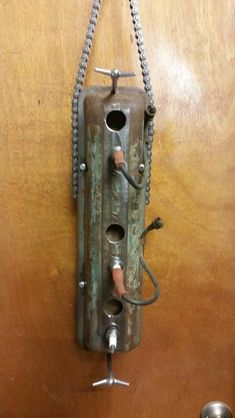 Old Chevrolet valve cover birdhouse. #birdhousedesigns
