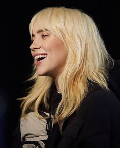 #billieeilish #nike Billie Eilish, Hair Inspo, Hair Inspiration, Cabelo Inspo, Hair Goals, Pretty People, Blonde Hair, Hair Cuts, Hair Color