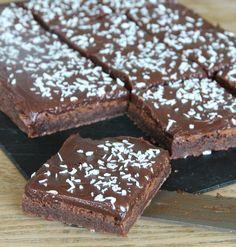 Chokladtryffelbrownies Vegetarian Desserts, Delicious Desserts, Dessert Recipes, Daniel Wellington, I Love Chocolate, Swedish Recipes, Recipes From Heaven, Something Sweet, Brownie Recipes