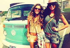 How freakin adorable are the ToneItUp girls? So fabulous...