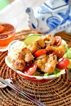ライムで爽やか♥チキン♥エスニック丼 【#夏レシピ #簡単 #作り置き 】 レシピブログ Kung Pao Chicken, Potato Salad, Japanese, Ethnic Recipes, Food, Japanese Language, Essen, Meals, Eten