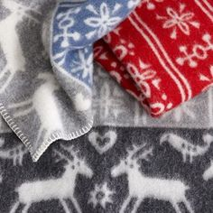 The wonderful Lappland children blanket from Klipppans yllefabrik is designed by Lotta Glave. The cozy blanket is made in organic lamb wool and has a classic Swedish motif with reindeers. Lappland children blanket is perfect on cold days and become a nice detail in the childrens room!