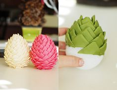 Christmas ornaments - felt pine cones, can be done with ribbon too, would look especially lovely with turned/twisted ribbon pieces. Quilted Christmas Ornaments, Pinecone Ornaments, Fabric Ornaments, Christmas Crafts, Holiday Crafts, Fun Crafts, Homemade Christmas Decorations, Diy Weihnachten, Pine Cones