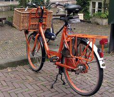 naranja y negro bici urbana