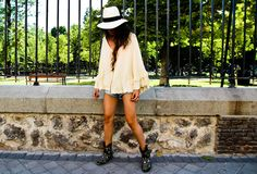 #r29summerstyle love this look!  Great summer hat