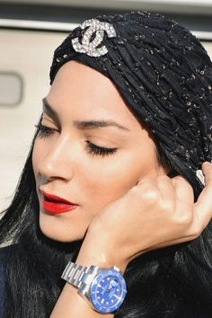Omg, I'd feel ridiculous (personally) wearing this, but I LOVE it!!!! So fabulous!! Black Chanel headpiece/turban w/ crystals