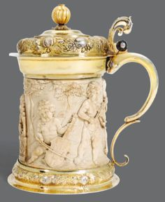 Chope en ivoire montée en vermeil par Johann Eissler, Nuremberg, 1674-1681 | lot | Sotheby's
