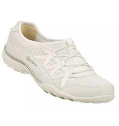 Skechers Relaxed Fit Memory Foam White Women's Size 6~ 22463 Fashion Sneaker #Skechers #Tennis