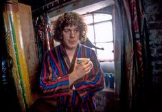 Relive the excitement and mystery of Jonathan Creek, as the trick master turns detective. Welsh, Jonathan Creek, Drama Channel, Sandi Toksvig, Alan Davies, Uk Tv, Stand Up Comedians, Book Show, Classic Tv