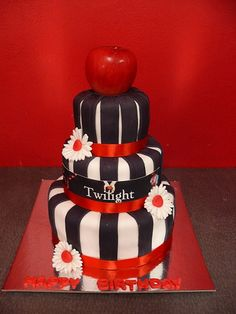 Twilight Cake - Too Much? Oh my, I know so many sad girls who would love this!!!!