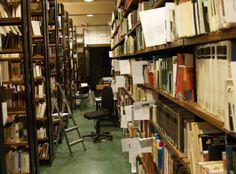 Imagen del depósito de la General con los libros seleccionados.