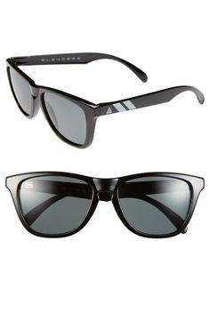 Summer essential - Classic style sunglasses