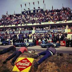 // 02 Le Mans, 1959 Carroll Shelby & Roy Salvadori took the win in a Aston Martin's first at La Sarthe // Le Mans, Sports Car Racing, Sport Cars, Auto Racing, Road Race Car, Race Cars, Grand Prix, Nascar, Aston Martin Dbr1