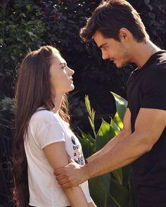 Savnaz Idole, Turkish Beauty, Movie Wallpapers, Turkish Actors, Celebs, Celebrities, Couple Pictures, Couple Goals, Drama