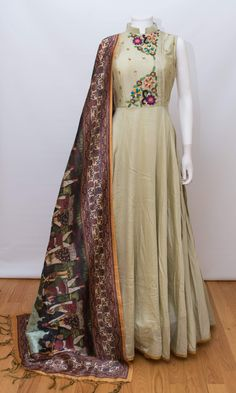indian clothing ONLINE USA Silk brocade top with golden embroidery with matching bottom and dupatta Pakistani Dress Design, Pakistani Dresses, Indian Dresses, Indian Outfits, Kurta Designs Women, Salwar Designs, Kurti Designs Party Wear, Dress Designs, Designer Party Wear Dresses