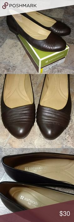 Naturalizer N5 comfort leather slip on shoes flats * Bundle both pair of brand new size 11 Naturalizer slip on shoes for $45 * * Brand New * Naturalizer * N5 Comfort * Leana * Flats * Dark brown leather * Size 11 Naturalizer Shoes Flats & Loafers