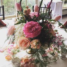 Pink wedding mood @smithvilleinn #wedding #pinkwedding #mercury #dvflora #mystyle #weddings2016 @accentdecorinc #alexandrafarms #centerpiece #forthebride #flowersforweddings #njweddings #njbrides #southjerseyweddings #pastels #knotweddings #theknot #onruffled #plymosa #perfection #roses #gardenroses #hydrangea #mystyle by betinas