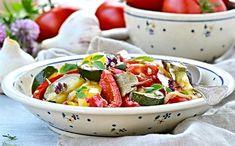 25 nejlepších receptů na pečené vánoční cukroví   ReceptyOnLine.cz - kuchařka, recepty a inspirace Ratatouille, Fruit Salad, Potato Salad, Potatoes, Ethnic Recipes, Food, Potato, Essen, Fruit Salads