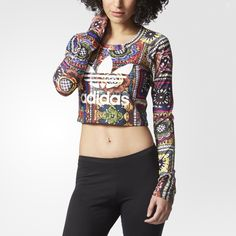 adidas Originals and Brazilian trendsetters The FARM Company team up to create pieces that burst with color and energy. Inspired by their homeland of Brazil, the land of toucans, tropical fruit and dreamy white beaches, The FARM Company has designed prints that are vivid and unique. This women's long sleeve t-shirt flashes a crochet-style flower print inspired by Brazilian artisanal crafts. Made in a cropped length to let the sunshine in.