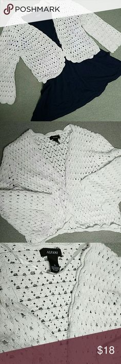 Alfani Cropped Cable Knit Cardigan Alfani Cropped Cable Knit Cardigan size small, white,  3/4 length sleeves, gently used in excellent condition. Please message me if you have any questions! Alfani Sweaters Cardigans