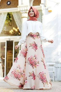 Robes de soirée pour femmes voilées - Fashion Hijab İslami Erkek Modası 2020 - Tesettür Modelleri ve Modası 2019 ve 2020 Islamic Fashion, Muslim Fashion, Modest Fashion, Fashion Dresses, Eid Dresses, Pakistani Dresses, Cute Dresses, Evening Dresses, Modest Outfits