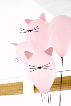 Kitty Cat Birthday Party with cat balloons Fete Emma, Kitten Party, Birthday Party Themes, Cat Birthday Parties, Birthday Crafts, Birthday Kitty, Cat Themed Parties, Funny Birthday, Birthday Party Decorations Diy