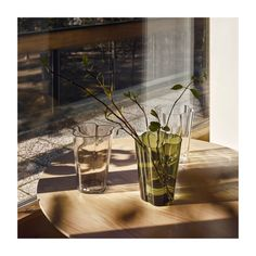 Iittala - Alvar Aalto -kokoelma Wave Design, Icon Design, Alvar Aalto Vase, Modern Scandinavian Interior, Tall Flowers, Selling Furniture, Tall Vases, World's Fair, Ikon