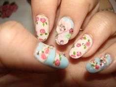 20 Beautiful Floral Nail Designs With Vintage Glamour - Nagel Design Rose Nail Design, Nail Design Spring, Flower Nail Designs, Spring Nail Art, Spring Nails, Nail Art Designs, Nails Design, Nail Art Pastel, Rose Nail Art