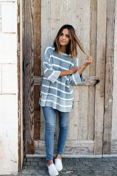 Chic Sweater Outfits for Teens (8)