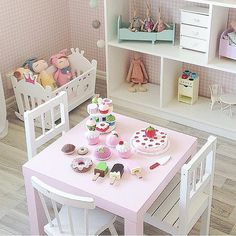 Best way to spice up a room is a little place where the girls can play