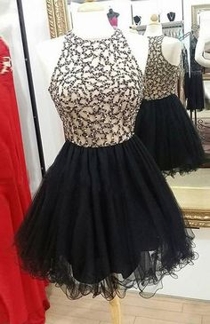 High Fashion A-Line Round Neck Black Tulle Short Homecoming Dress with Beading
