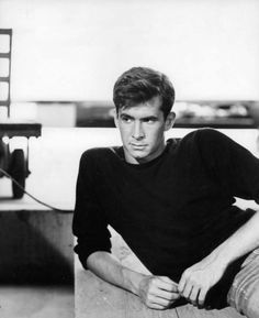Anthony Perkins photographed on the set of Psycho, 1960 Hollywood Actor, Golden Age Of Hollywood, Vintage Hollywood, Classic Hollywood, Anthony Perkins, Hot Actors, Actors & Actresses, Norman Bates, Best Supporting Actor