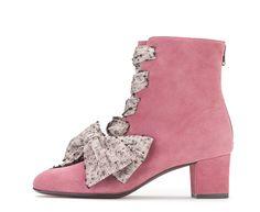 Attilio Giusti Leombruni - The Upside down bootie. #aglshooes #shoes #fw17 #bootie #pink #feminine