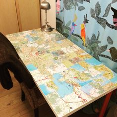 Diy desk, glossy maps