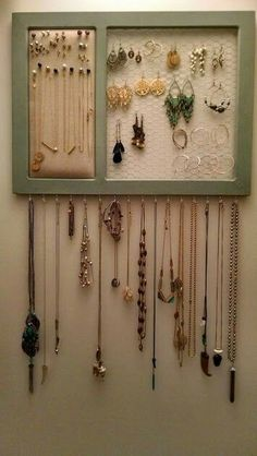 Jewelry OFF! DIY jewelry holder ideas display storage organizer steampunk tray pearl resin stamping cheap pouch chain clay wood ceramic pallet homemade and gold Diy Jewelry To Sell, Diy Jewelry Holder, Jewelry Ads, Jewelry Hanger, Jewellery Storage, Jewellery Display, Fashion Jewelry, Earring Storage, Homemade Jewelry Holder