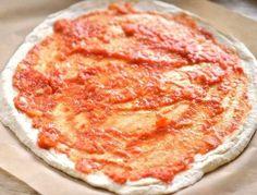 Pizzasås och recept på pizza