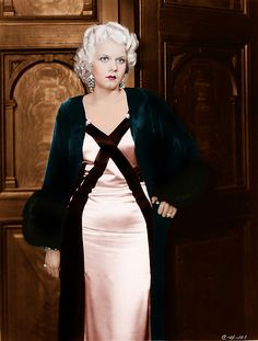 Dedicated to the original blonde bombshell Jean Harlow. Old Hollywood Glamour, Hollywood Walk Of Fame, Golden Age Of Hollywood, Vintage Glamour, Vintage Hollywood, Hollywood Stars, Classic Hollywood, Vintage Ladies, Actrices Hollywood