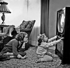 Recalling the days when radio and TV reception were so imperfect, and so much better. Saturday Morning Cartoons, Tv Times, The Good Old Days, Three Kids, Back In The Day, Vintage Children, Retro, Simple Way, Childhood Memories