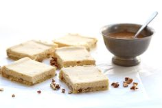 The best low carb cheesecake bars with a grain-free pecan shortbread crust and delicious salted caramel sauce.