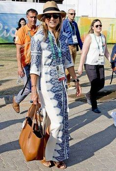 King Willem Alexander, Queen Maxima, Princess Catharina-Amalia and Princess Ariane attend the Equestrian Jumping. Estilo Fashion, Boho Fashion, Womens Fashion, Love Her Style, Looks Style, Style Royal, Moda Outfits, Kaftan Style, Estilo Real