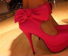 cute bow heels <3