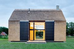 Today we will visit an unusual yet breathtaking modern home that plays on the concept and shape of a barn or a chapel in the countryside Fire Safety, Smart Home, Countryside, Shed, House Design, Outdoor Structures, Interior Design, Architecture, Modern