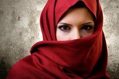 Kopftuch und Burka: Wir dürfen uns niemals, niemals dem Islam anpassen - WELT HD