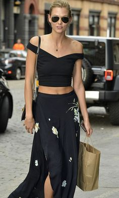 Karlie Kloss Nails The Off-The-Shoulder Trend